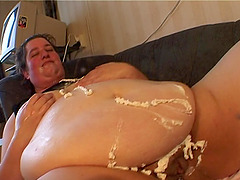 Obese brunette Fannie adores being..