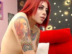 Gorgeus Redhead Teen On Webcam Plays..