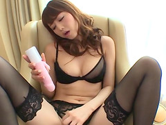 Ishigami Satomi opens her long legs..