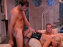 Blonde pussy roughly ravished in mmf..