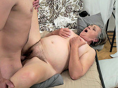 Cock-hungry granny Kata making her..
