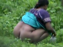 Indian girl pissing