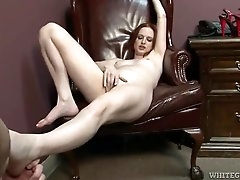 Submissive guy worships her feet eagerly