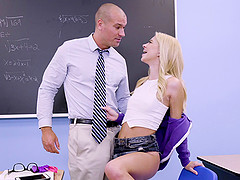 Arousing classroom shagging with Riley..