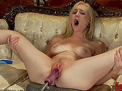 Skank Screaming Her Way To Orgasm On..