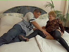 Mature woman's holes plowed by a sex..