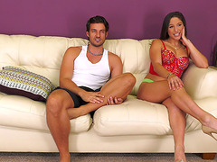Petite brunette Abella Danger drops on..