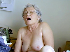Amateur grandma is playing naked with..