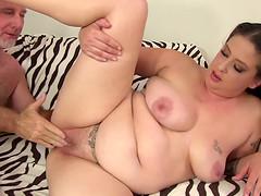 Chubby Brunette Kailie Raynes Loves a..