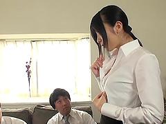 Ootsuki Hibiki sucks on two erected..
