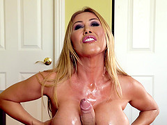 Meaty knockers of Kianna Dior used for..