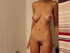 Latina beauty Inez fucking dildo