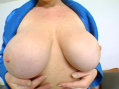Nasty mature woman gets her pussy and..