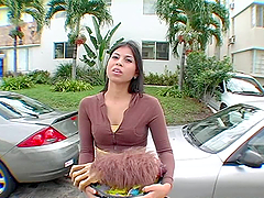 Mexican babe agrees to bang in the van of course for money