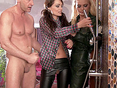 Sophie Lynx and Vanda Lust are in need..