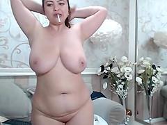 Hot chubby milf masturbation on cam