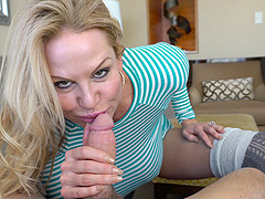 Kelly Madison shows off her tits to a..