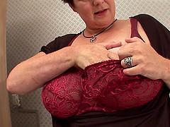 Mature Fabienna with nice ass drilling..