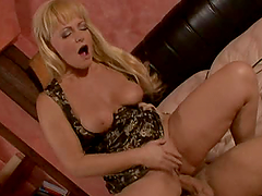 Hot fuck with mature blonde lady who makes perfect blowjob