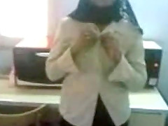 Arab girl in hijab giving bj in office
