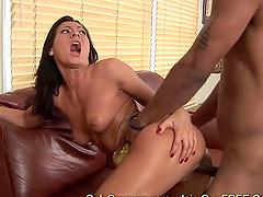 Booty brunette Sandra Romain gets..