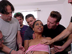 Skinny babe Kira Noir gets to suck big..