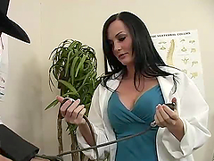 Sexy doctor Melissa Lauren cures her..