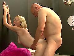 Sexy blonde Rylie Richman fucks a guy..