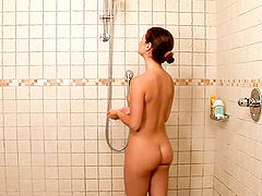 Shower Passion with two smoking hot..