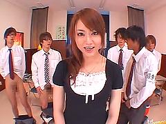 Famous AV actress Akiho Yoshizawa gets..