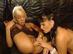 Blonde fists her pink pussy wide open
