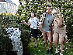 Mature blonde babe fucks her..