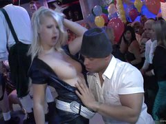 A Wild Gangbang For A Drunk Blonde In..