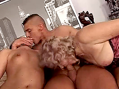 Horny Granny Gets Fucked in Old Vs..