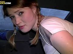 Amateur Teen Blonde Gets Sex in Car