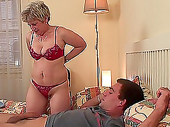 Sex hungry mature lady fucks her..