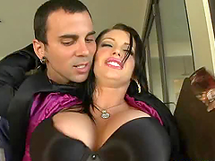 Hot Brunette Jenna Presley Milks A Big..