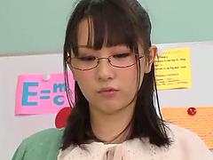 Uruha Mizuki gives a footjob to some..