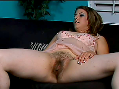 Horny Preggo Nikki Knox  Has Her Hairy..